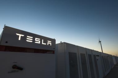 Ο Elon Musk κατασκεύασε τη μεγαλύτερη μπαταρία στον κόσμο σε 100 μέρες